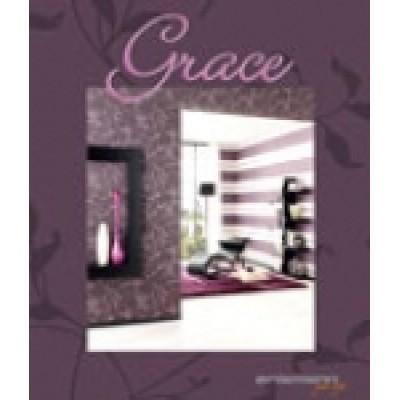 На фото Grace