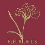 На фото Fleur De Lis