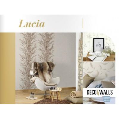 На фото Lucia