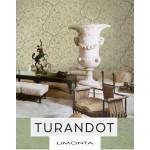 На фото Turandot