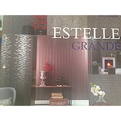 На фото Estelle Grande
