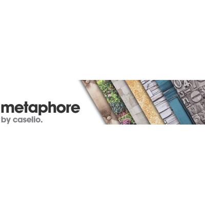 На фото Metaphore