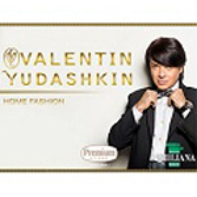 На фото Valentin Yudashkin