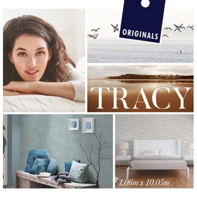 На фото Tracy
