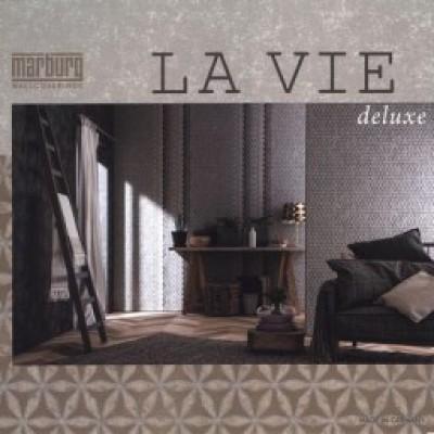 На фото La Vie Deluxe